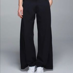 Lululemon high waisted Wide leg pant